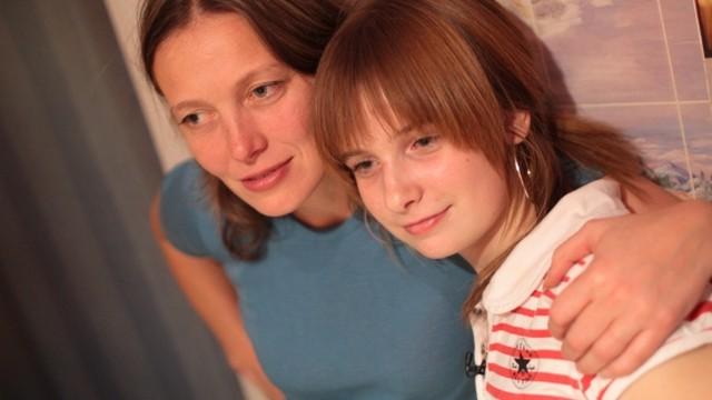 Kleitas, mātes un meitas
